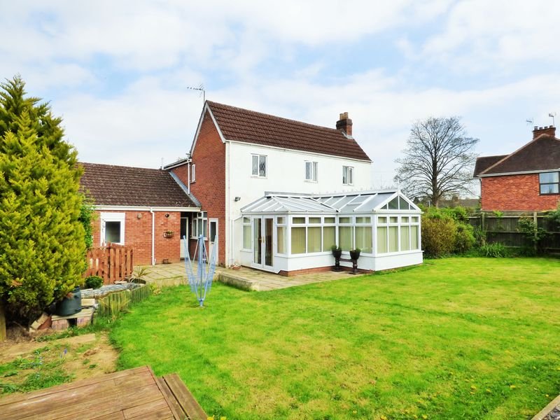 4 Bedrooms Detached House for sale in Kingscroft Road, Gloucester