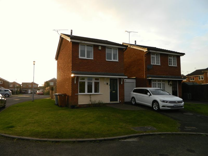 2 Bedrooms Detached House for sale in Buttermere Drive, Crewe