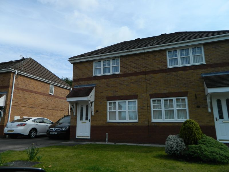 3 Bedrooms Semi Detached House for sale in Chaucer Grove, Sandbach