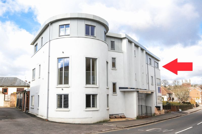 2 Bedrooms Flat for sale in Charlotte Street, Crediton