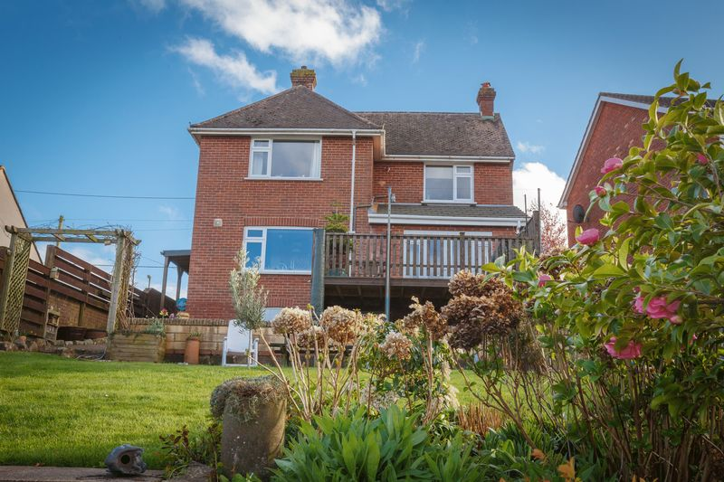 3 Bedrooms Detached House for sale in Barnfield, Crediton