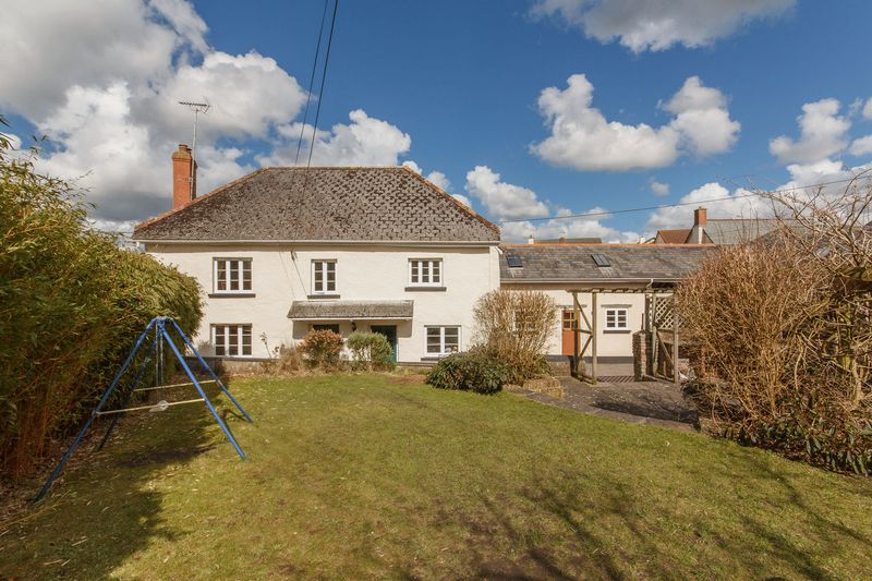 4 Bedrooms Detached House for sale in Fore Street, Morchard Bishop