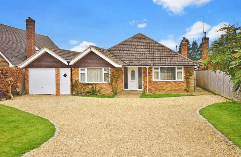 4 Bedrooms Detached Bungalow for sale in Radnage