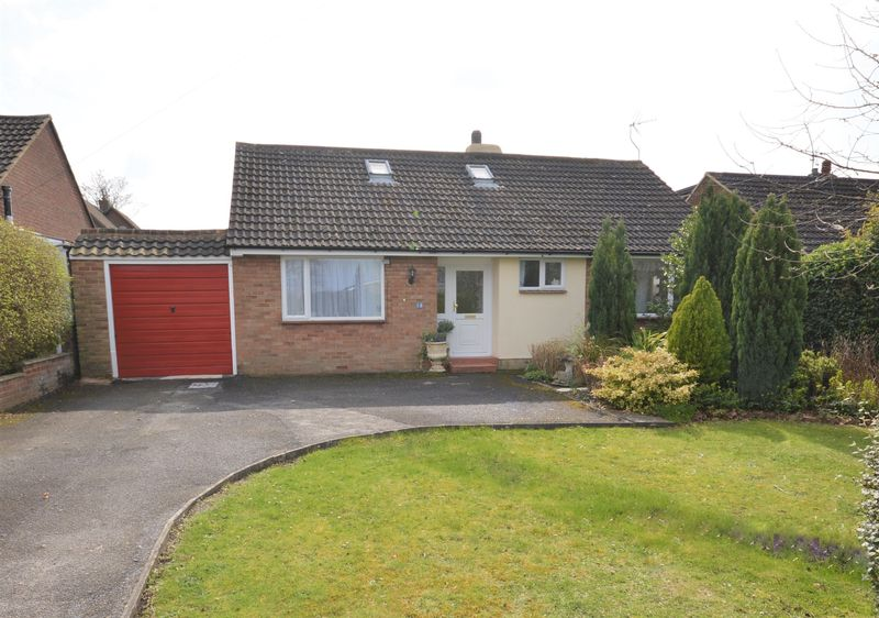 4 Bedrooms Detached Bungalow for sale in Princes Risborough