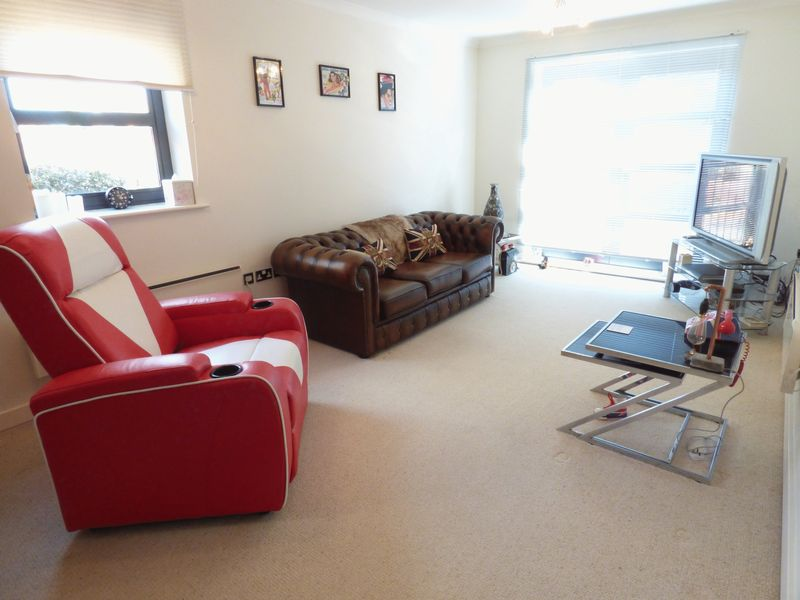 2 Bedrooms Flat for sale in Thornhill Park, Sunderland