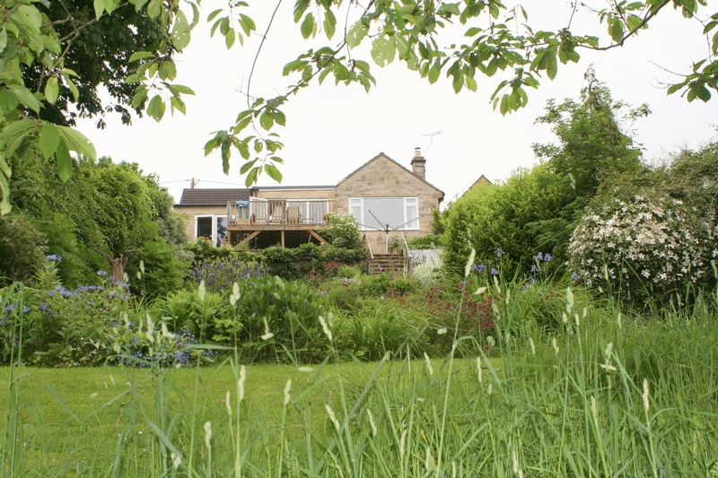 3 Bedrooms Detached Bungalow for sale in Colerne, Wiltshire