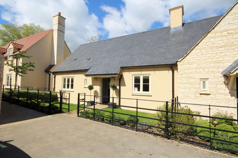 2 Bedrooms Semi Detached House for sale in Fortescue Street, Bath
