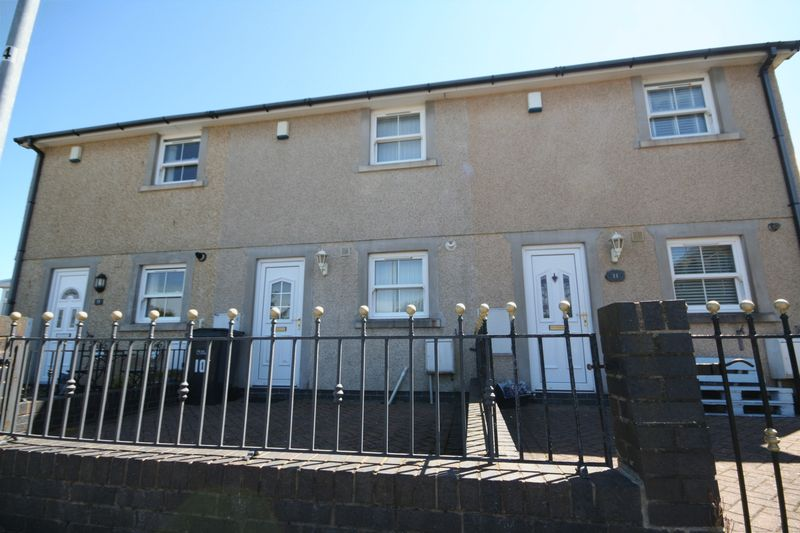 2 Bedrooms Terraced House for sale in Gwel Y Mynydd, Holyhead