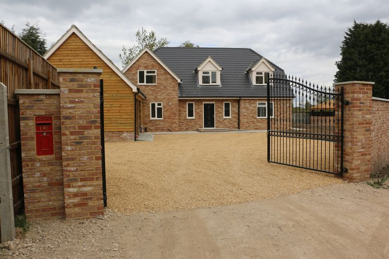 5 Bedrooms Detached House for sale in Marshland St James