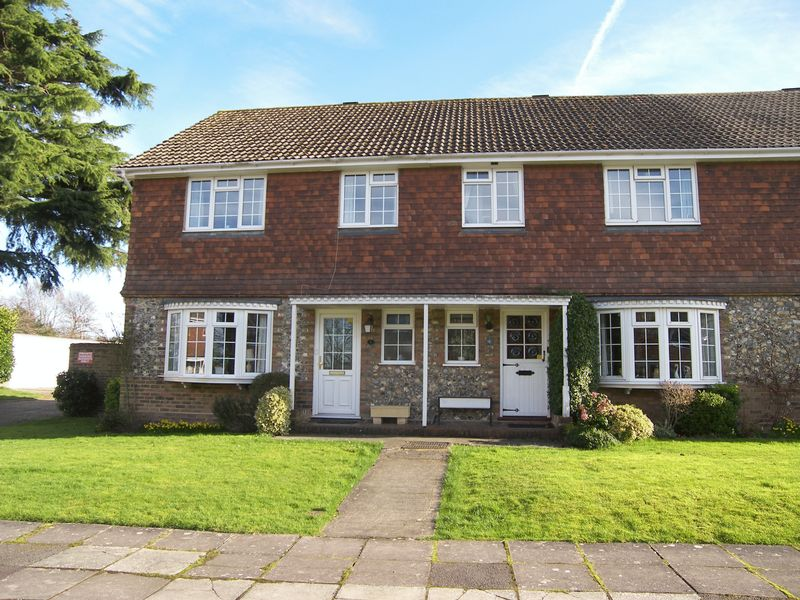 3 Bedrooms Terraced House for sale in Bookham