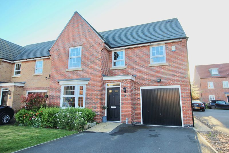 4 Bedrooms Detached House for sale in Titus Way, Kings Court, North Hykeham, Lincoln