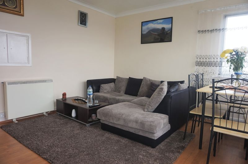 1 Bedroom Flat for sale in Moseley Court, Moseley- Top Floor One Bedroom Flat