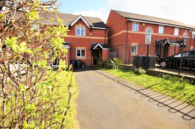2 Bedrooms Terraced House for sale in Sovereign Way, Moseley -WELL PRESENTED MODERN TWO BEDROOM HOME WITH NO CHAIN!!