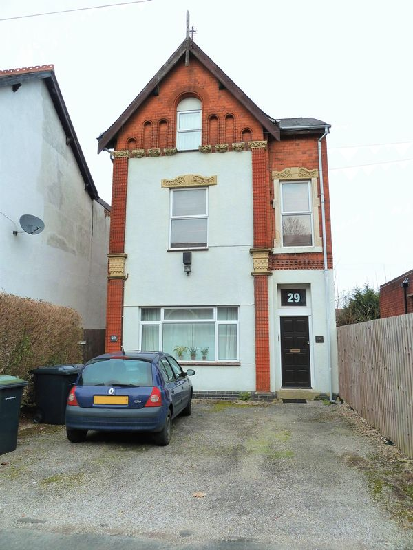 1 Bedroom Flat for sale in Sandford Road, Moseley - TOP FLOOR CONVERTED ONE BEDROOM FLAT WITH NO CHAIN!!