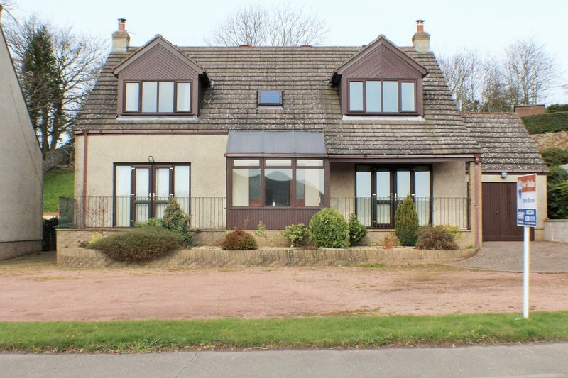 3 Bedrooms Detached House for sale in 2 St Andrews Road, Pitscottie KY15 5TF