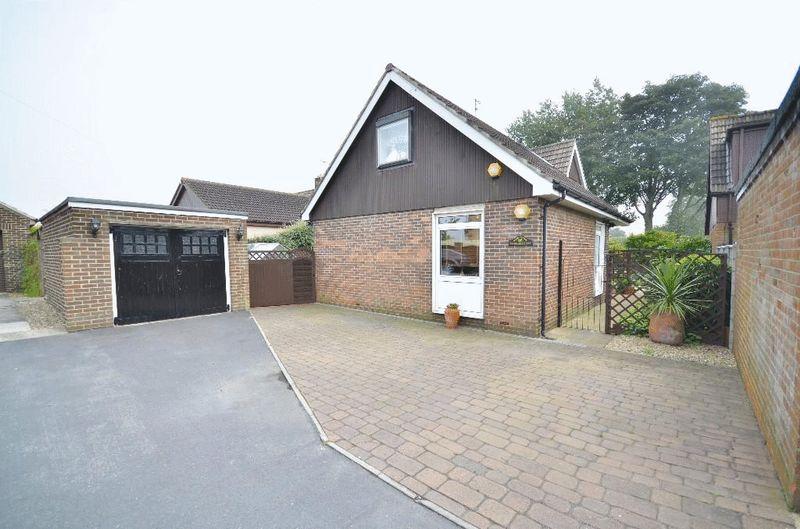 3 Bedrooms Detached Bungalow for sale in South Grange Park, Seaham