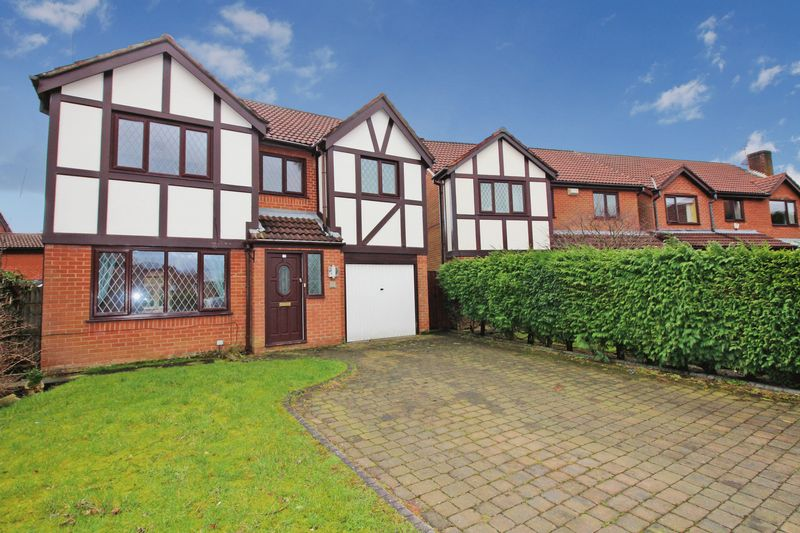 5 Bedrooms Detached House for sale in Rivington Hall Close, Bury BL9