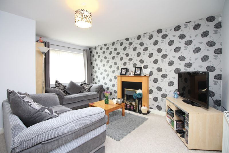 3 Bedrooms Semi Detached House for sale in Larch Street, Bury BL9