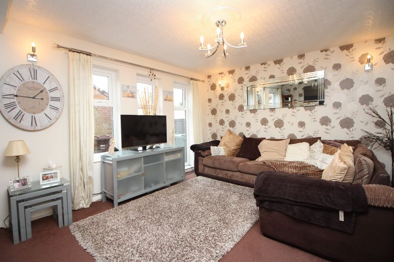 3 Bedrooms Terraced House for sale in Ampleforth Gardens, Radcliffe, Manchester M26