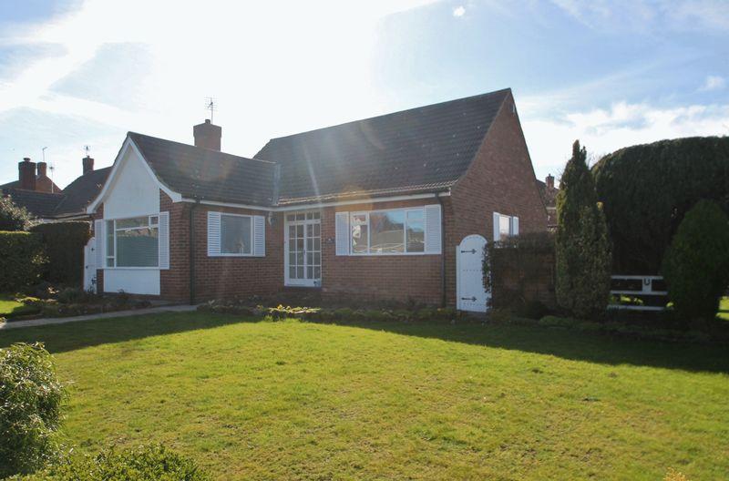 2 Bedrooms Detached Bungalow for sale in Strait Lane, Stainton