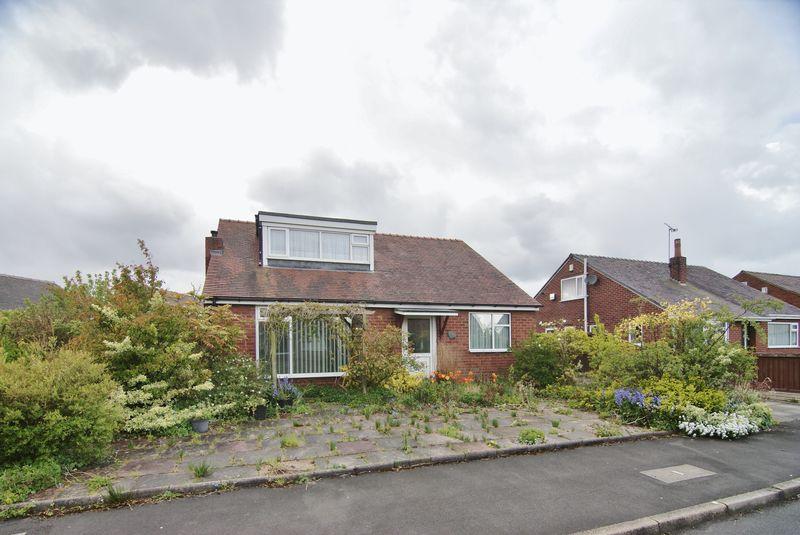 4 Bedrooms Detached Bungalow for sale in Cloverfield, Preston, PR1 0TE