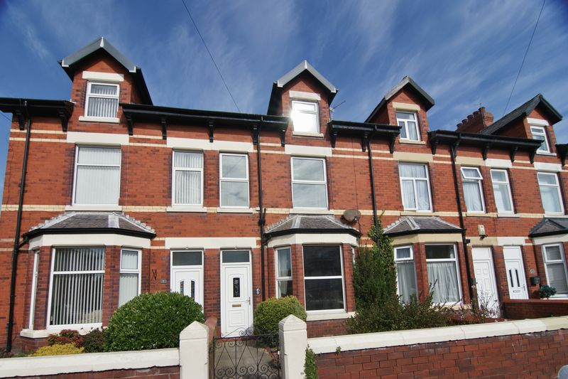 4 Bedrooms Terraced House for sale in Alexandra Road, Lytham St. Annes, FY8 1YE