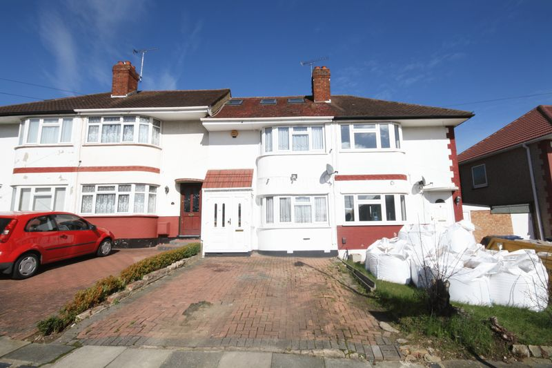 3 Bedrooms Terraced House for sale in Gonville Crescent, Northolt