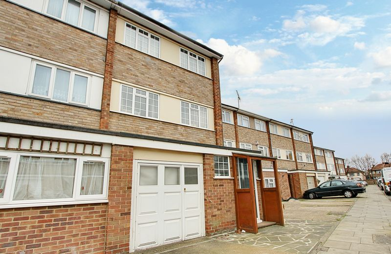 3 Bedrooms Terraced House for sale in Merlin Close, Northolt