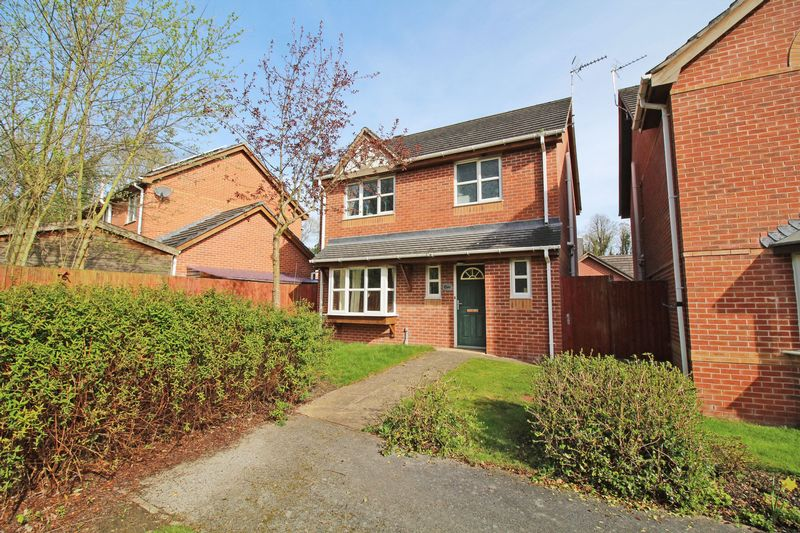 3 Bedrooms Detached House for sale in The Oaks, Trevor