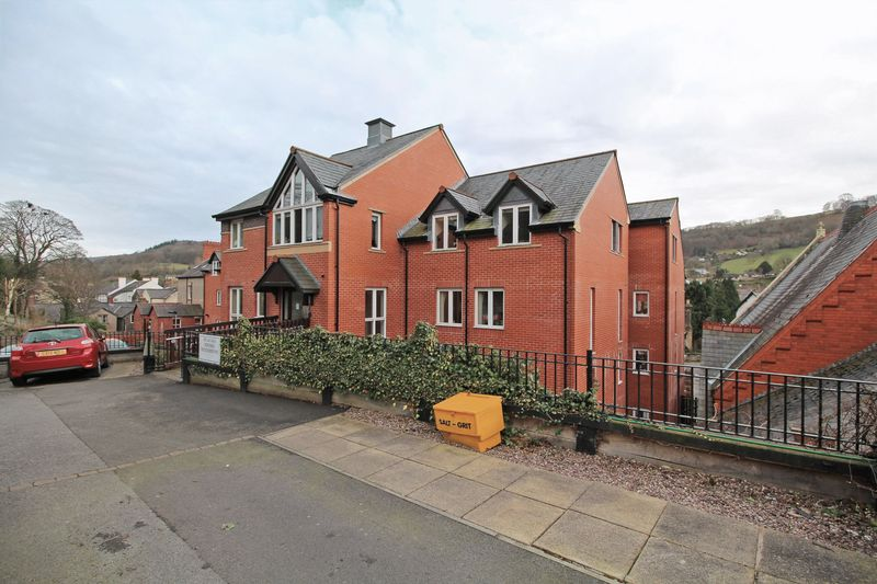 1 Bedroom Flat for sale in Cwrt Glan Y Gamlas, Abbey Road, Llangollen