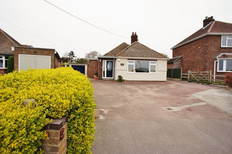 3 Bedrooms Detached Bungalow for sale in Thorrington Road, Great Bentley