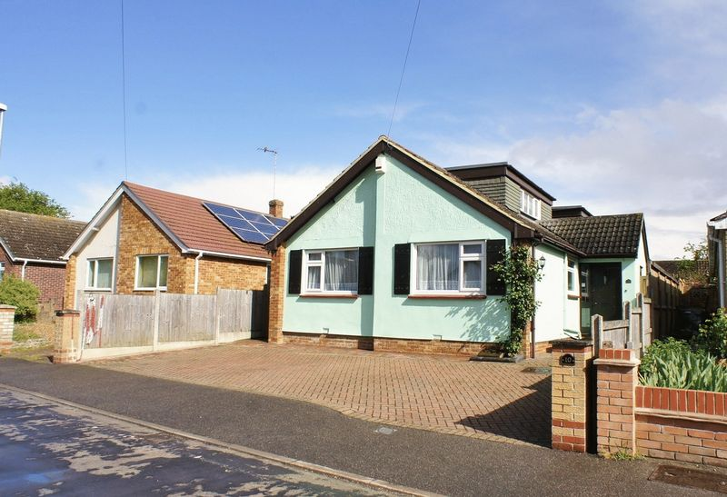 3 Bedrooms Detached House for sale in Western Road, Brightlingsea