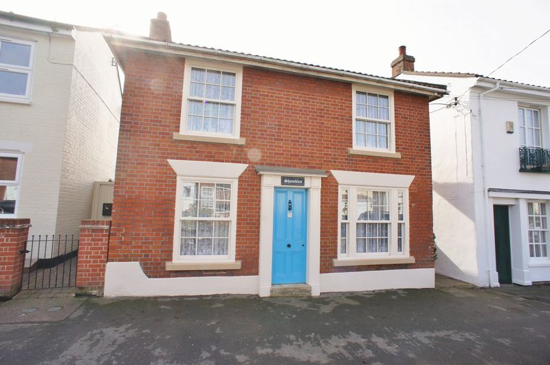 3 Bedrooms House for sale in High Street, Brightlingsea