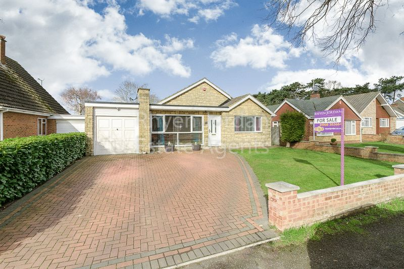 3 Bedrooms House for sale in Whalley Drive, Bletchley, Milton Keynes
