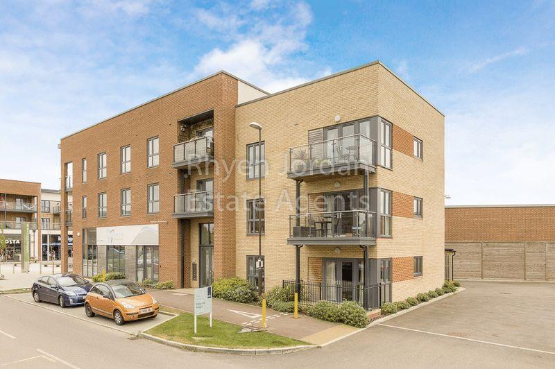 2 Bedrooms Flat for sale in Atlas Way, Oakgrove, Milton Keynes