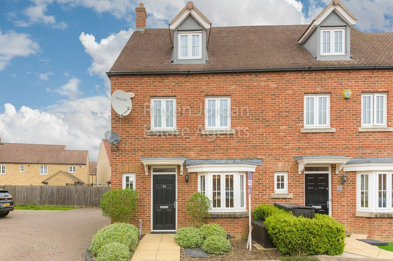 4 Bedrooms Terraced House for sale in Ripley Close, Kingsmead, Milton Keynes