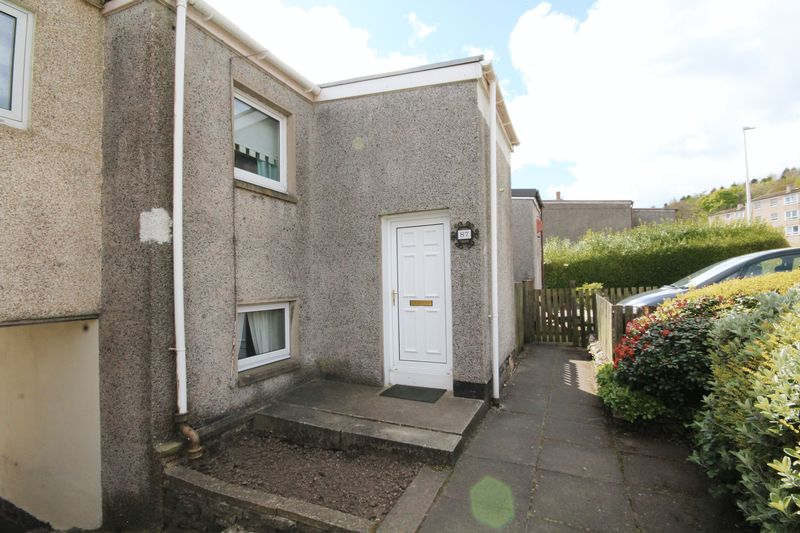 2 Bedrooms Semi Detached House for sale in Marina Road, Bathgate, EH48 1TA