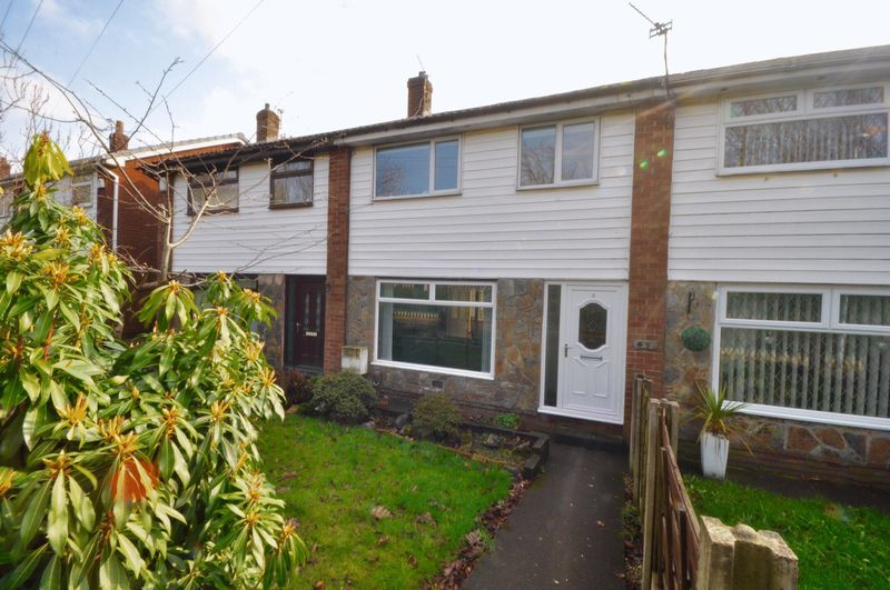 3 Bedrooms Terraced House for sale in Baysdale Drive, Oldham