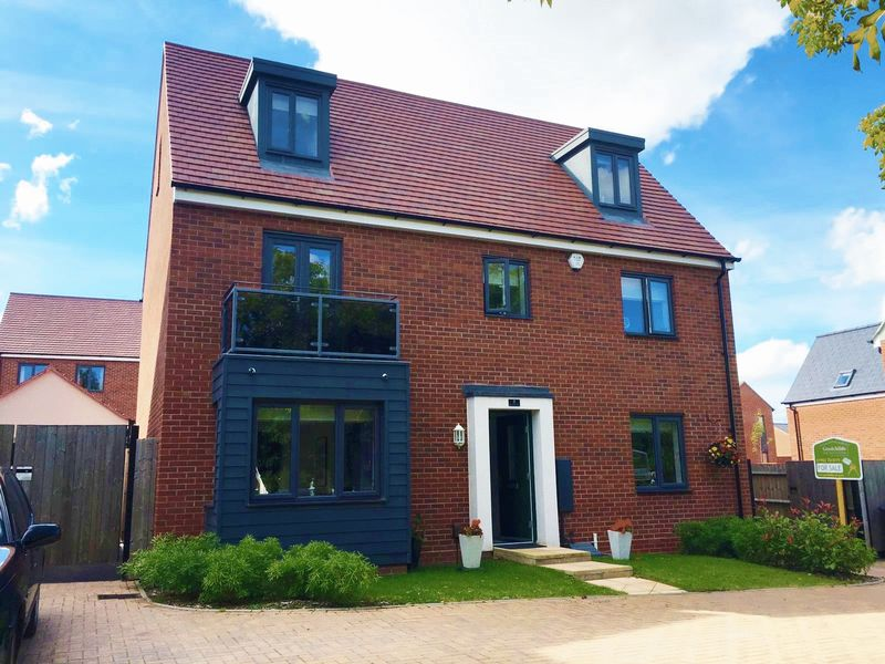 4 Bedrooms Detached House for sale in Reynolds Fold, Lawley