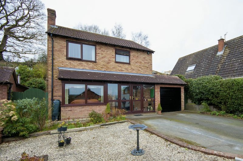 4 Bedrooms Detached House for sale in Severn Way, Shrewsbury