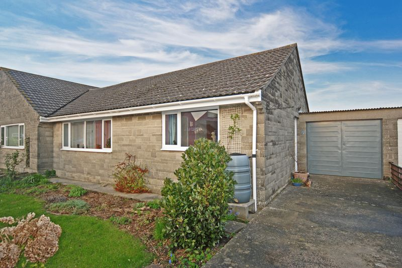 2 Bedrooms Semi Detached Bungalow for sale in St Cleers Orchard, Somerton