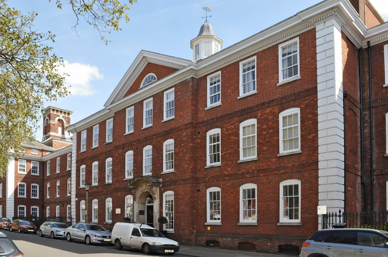 2 Bedrooms Flat for sale in Southernhay East, Exeter