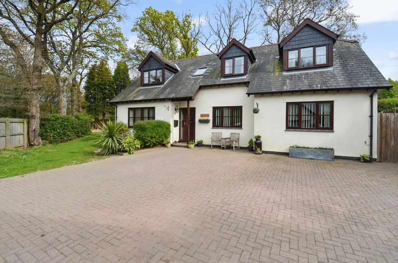 5 Bedrooms Detached House for sale in Liverton
