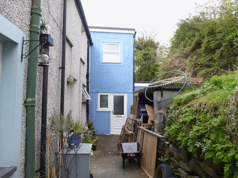 3 Bedrooms Terraced House for sale in Bethesda