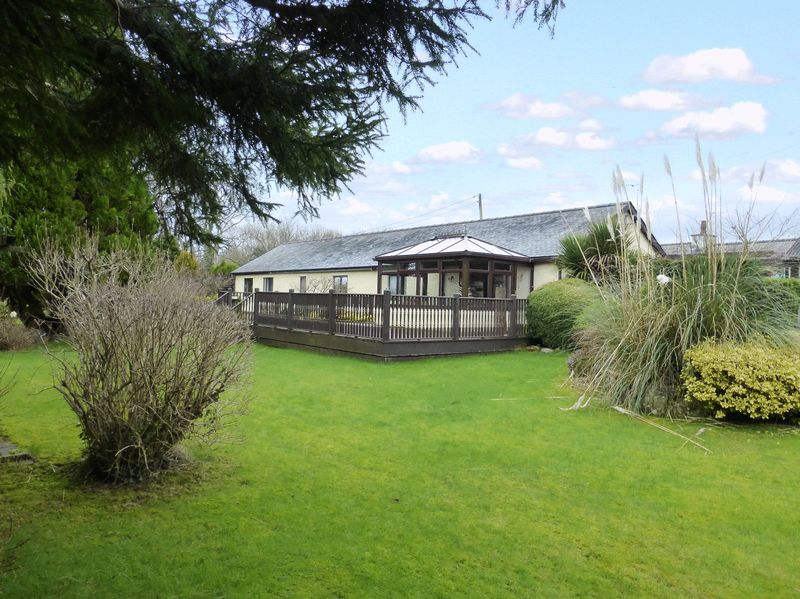 3 Bedrooms Detached Bungalow for sale in Groeslon