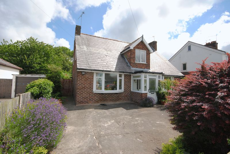 4 Bedrooms Detached Bungalow for sale in Borrowdale Road, Moreton