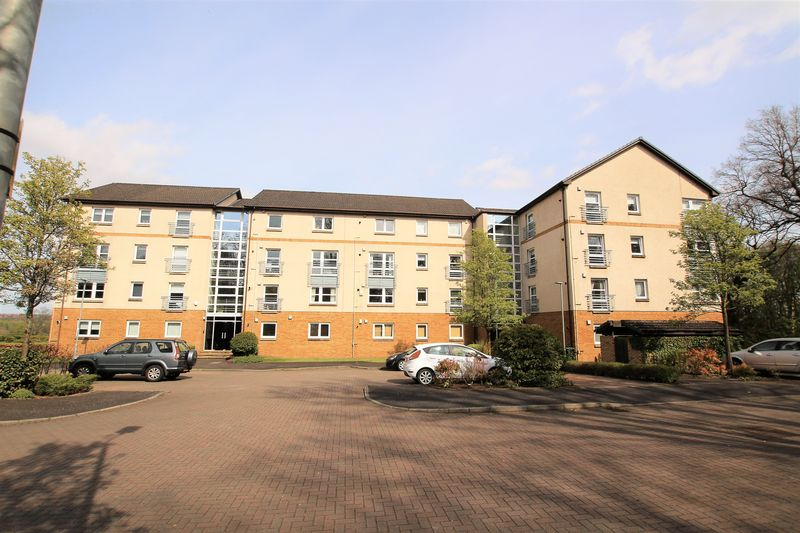 3 Bedrooms Flat for sale in Hamilton Park South, Hamilton