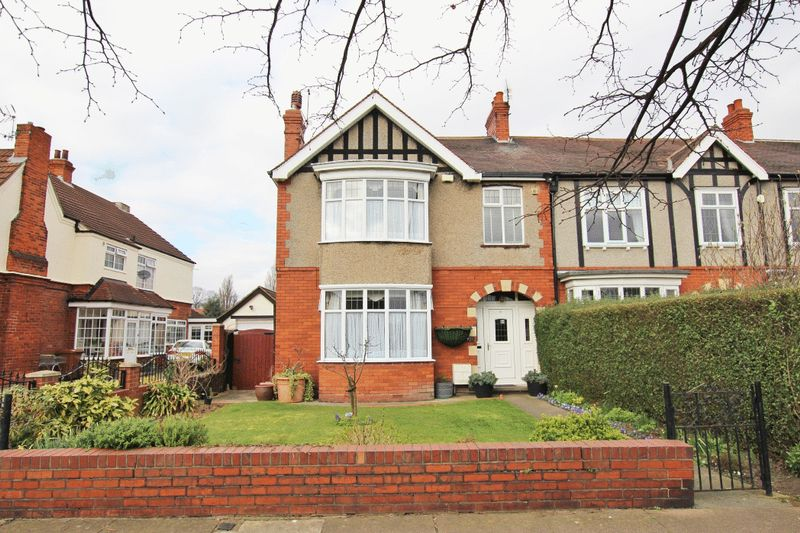 4 Bedrooms Terraced House for sale in WEELSBY ROAD, GRIMSBY