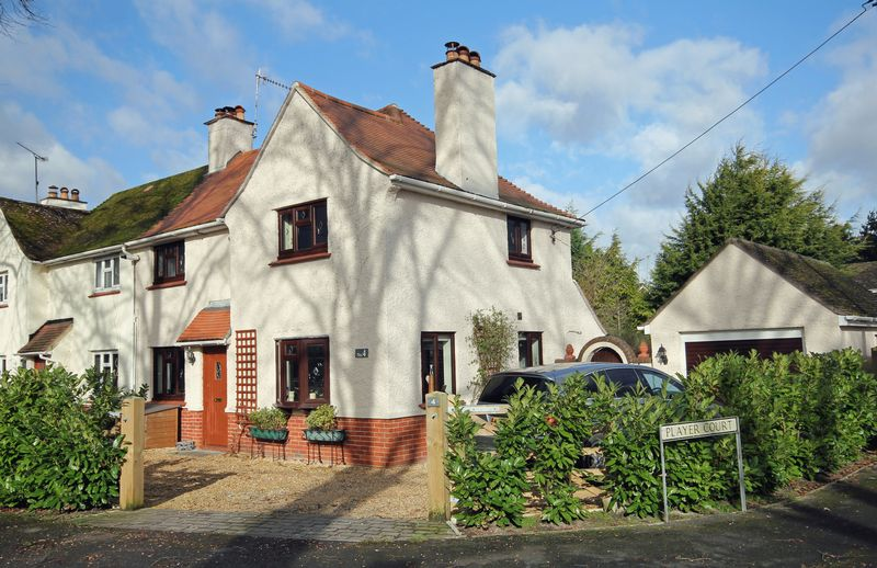 3 Bedrooms Semi Detached House for sale in St Georges Road, Fordingbridge