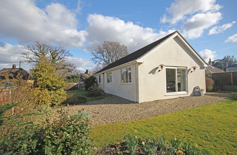 3 Bedrooms Detached Bungalow for sale in Hyde, Fordingbridge